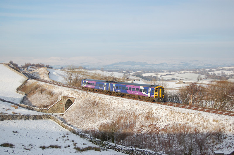 JL 20.1.15 - 158848 12.49 Leeds - Carlisle, Birkett Common - Birkett Common (southbound)