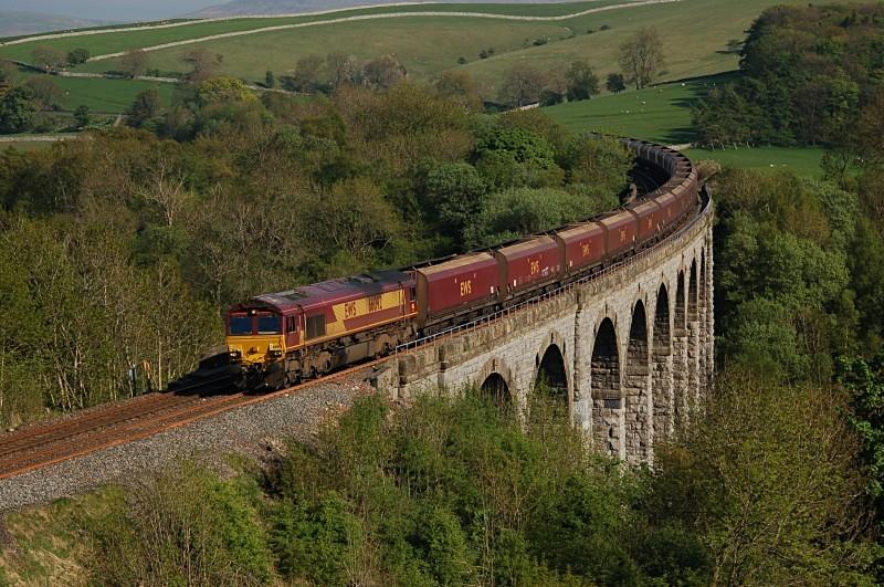 13.5.08 - 66092 4S69 Milford - Ayr, Smardale Viaduct - Smardale viaduct