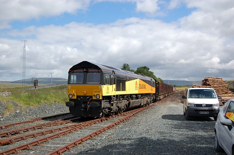 5.8.11 66744 6Z69 Ribblehead - Chrik, Ribblehead Siding - Ribblehead sidings