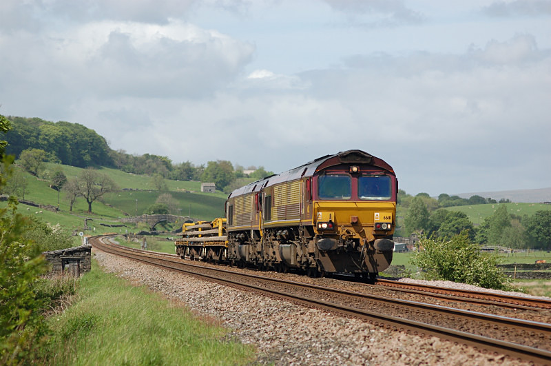 19.5.11 66111 & 66115 6K05 Carlisle - Crewe, Helwith Bridge - Helwith Bridge