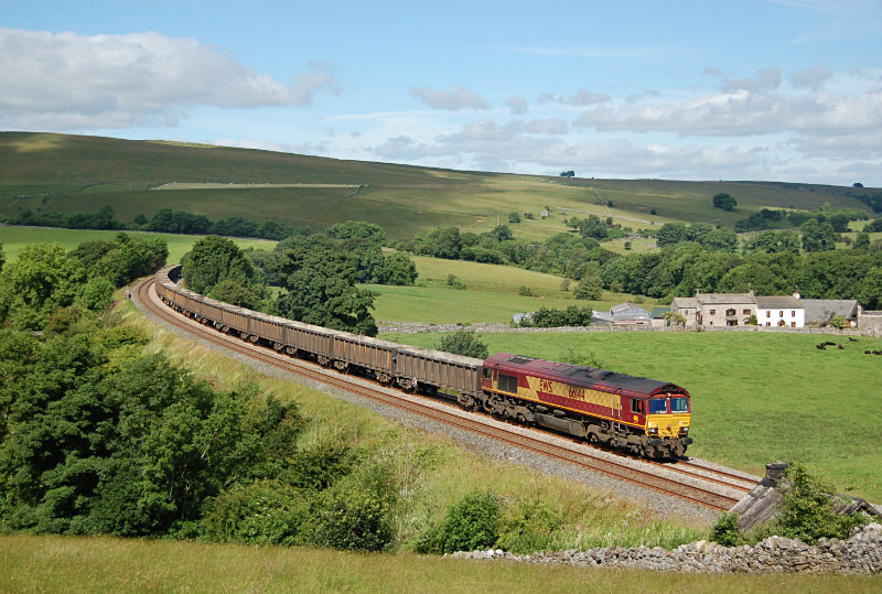 JL - 16.7.16 66144 6E95 Kirkby Thore - Milford, Smardale - Smardale