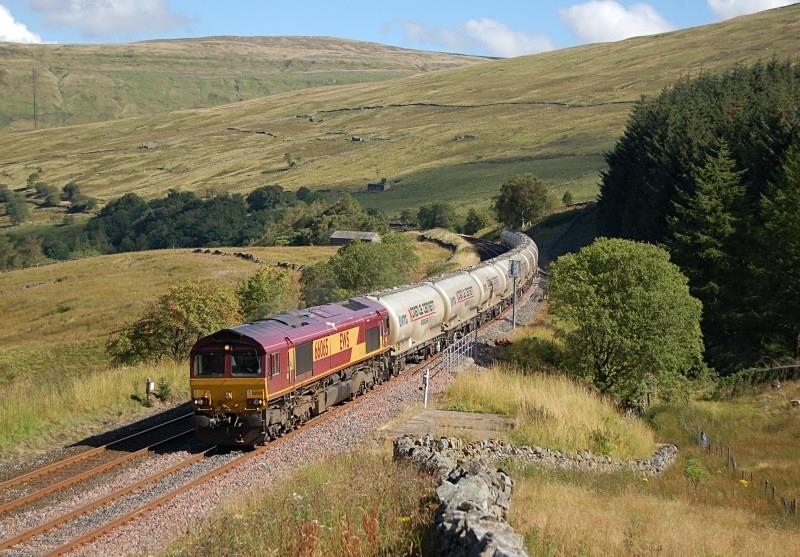 22.8.11 - 66065 6M00 Mossend - Clitheroe, Blea Moor Tunnel - Blea Moor Tunnel
