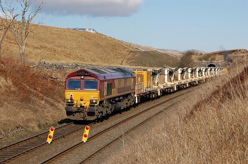 22.3.06 66175 engineers, Shotlock Hill Tunnel - Shotlock Hill