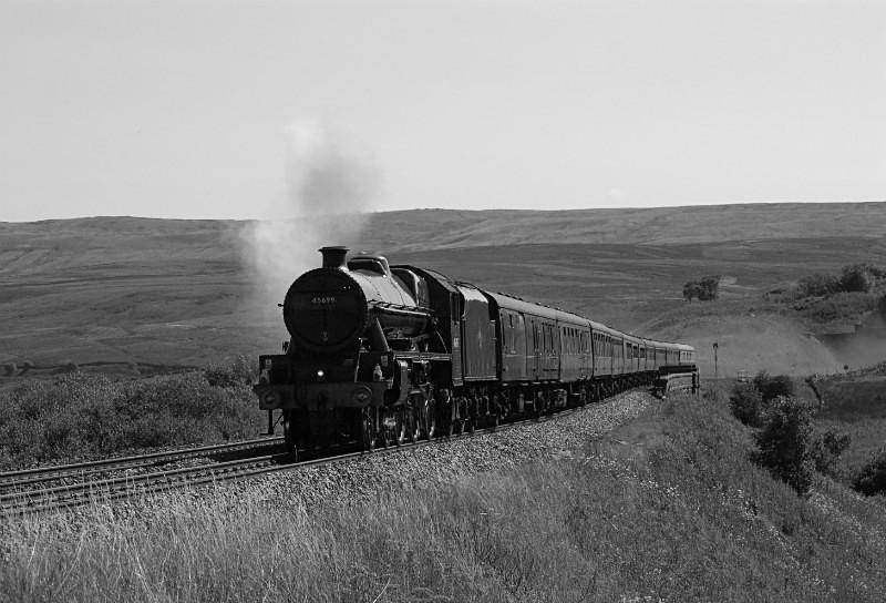 JL - LMS Jub 45699 'Galatea' 1Z44 York - Carlisle 'The Waverley' Lunds - Lunds - Northbound