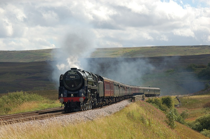 25.8.11- BR 'Pacific' 70013 'Oliver Cromwell' Euston - Carlisle, Lunds - Lunds - Northbound
