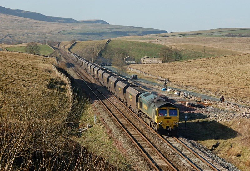 JL - 8.4.11 66546 6M32 Killoch - Ratcliffe Shotlock Hill Tunnel - Shotlock Hill