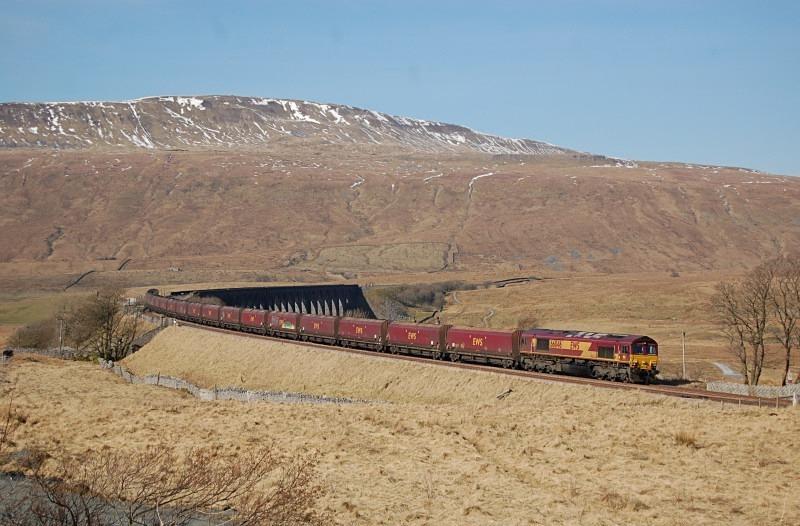 28.2.13 - 66046 6E93 Hunterston - Ferrybridge, Ribblehead - Ribblehead