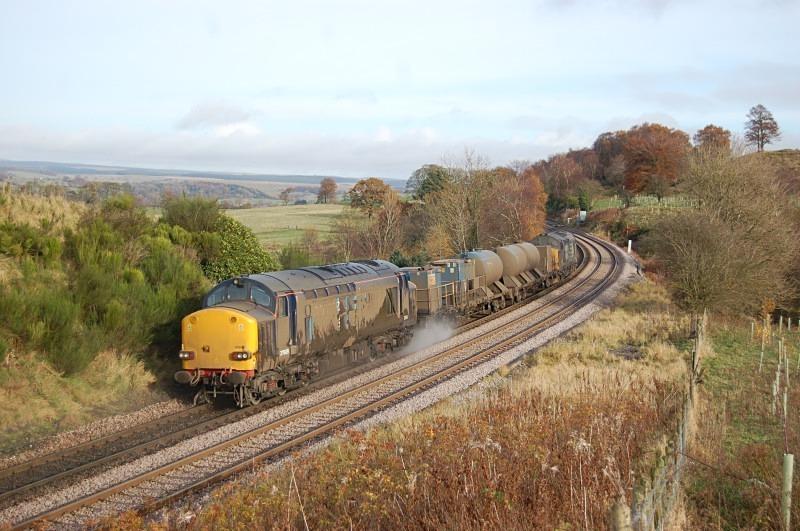 11.11.12 - 37609 & 37688 3S77 Kingmoor - Tursdale Junc, Naworth Parks - Tyne Valley