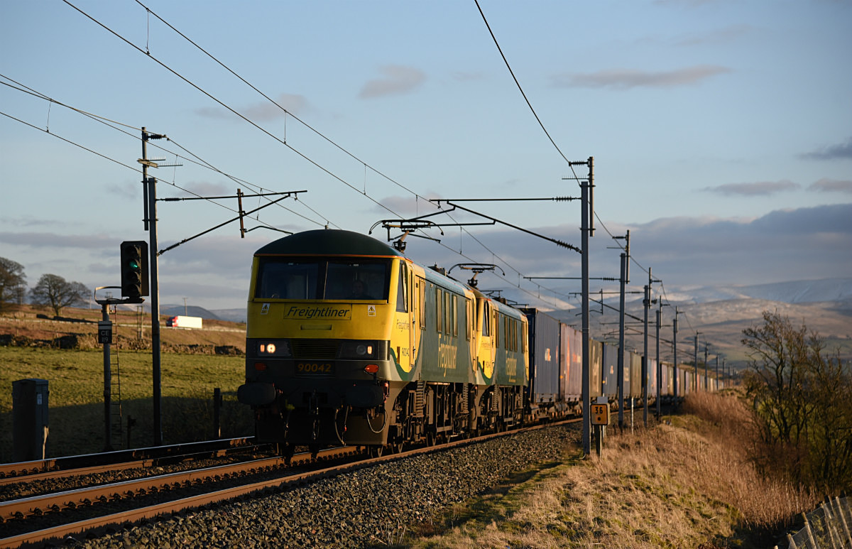 JL - 2.2.18 90044 & 90042 4S44 Daventry - Coatbridge, Salterwath - Latest shots