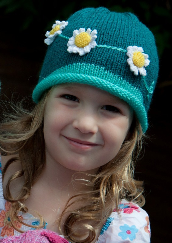 Daisy hats 2-7544 - Marion Carrier Crafts