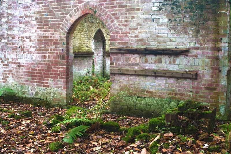 Arches - Bedham Mission Church - Urban exploration