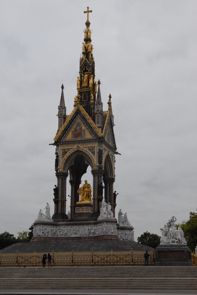 Frontage of Royal Albert Memorial - Royal London Tour