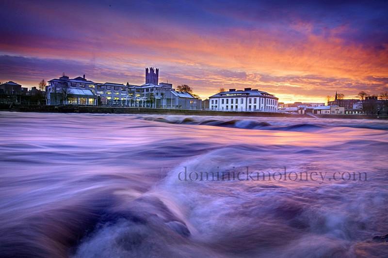w Riverfront Limerick - Limerick