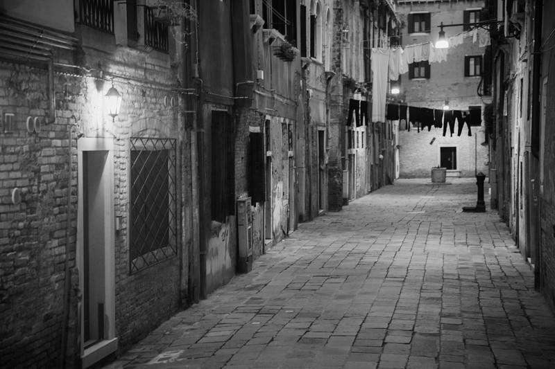 Streets. - Monochrome