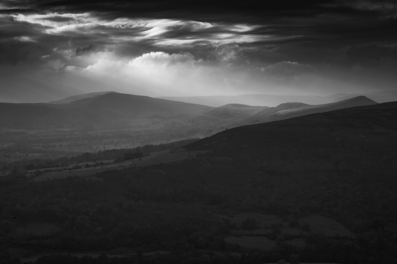 The Great Ridge. - Monochrome