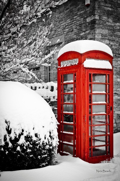 Cotswolds Phone Box - Red