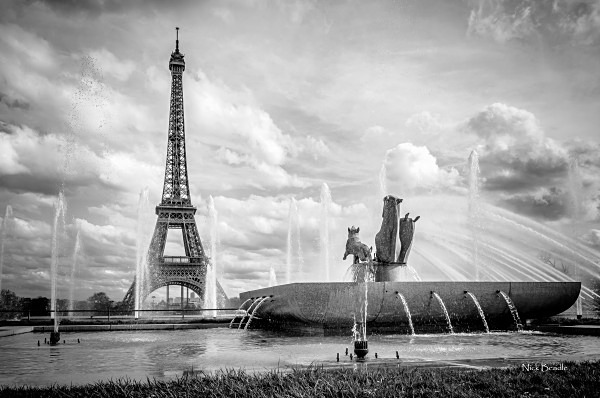 Eiffel Tower and Fountains - Paris