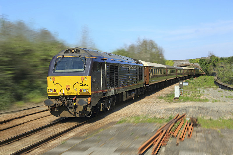 Class 67 006 'Royal Sovereign' - Railway Artwork Prints