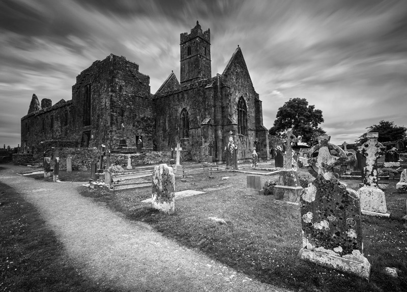 Quin Abbey - Black & White