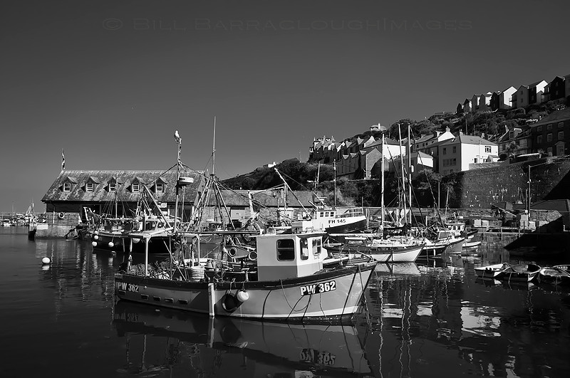 Harbour View - Landscapes in monochrome