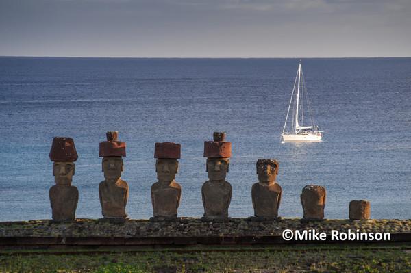 Anakena early am_305 moai  Sea Rover - Pacific Memories