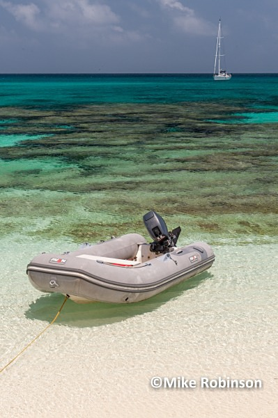 Dinghy SR_1_Huon atoll - Huon Atoll, New Caledonia