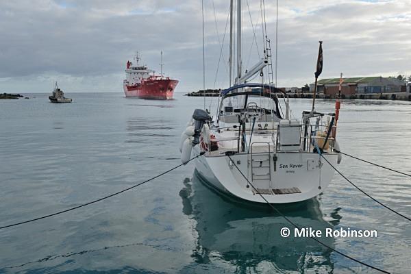 Avatiu harbour_41 Sara Theresa - Rarotonga, Cook Islands