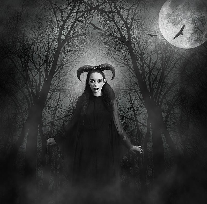 Dark Beauty - PHOTOSHOP CREATIONS