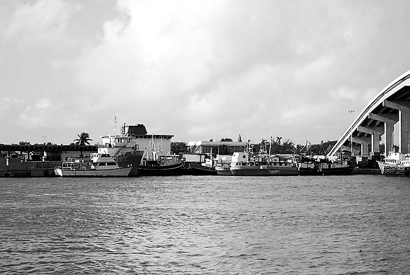 - Potters Cay - In Black & White