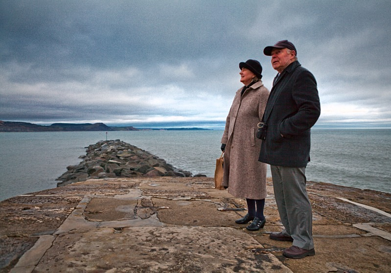 Couple on The Cobb - Reportage