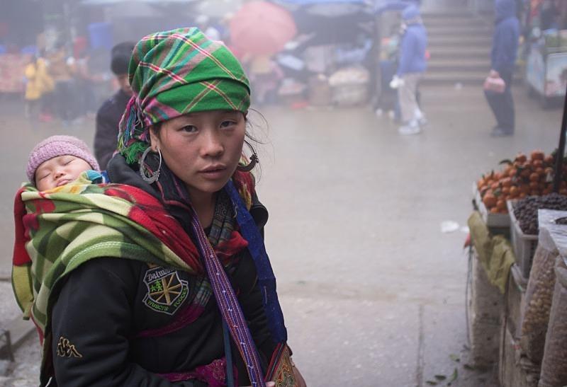 Sapa, Northern Vietnam, Black Hmong lady - Vietnam January 2013