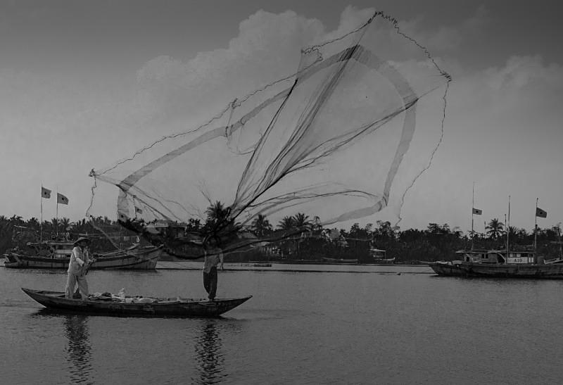Fishermen on the Thu Bon River, Hoi An - Vietnam January 2013
