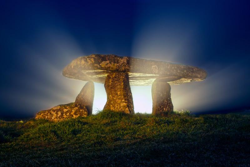 Secrets Lanyon Quoit - Cornwall