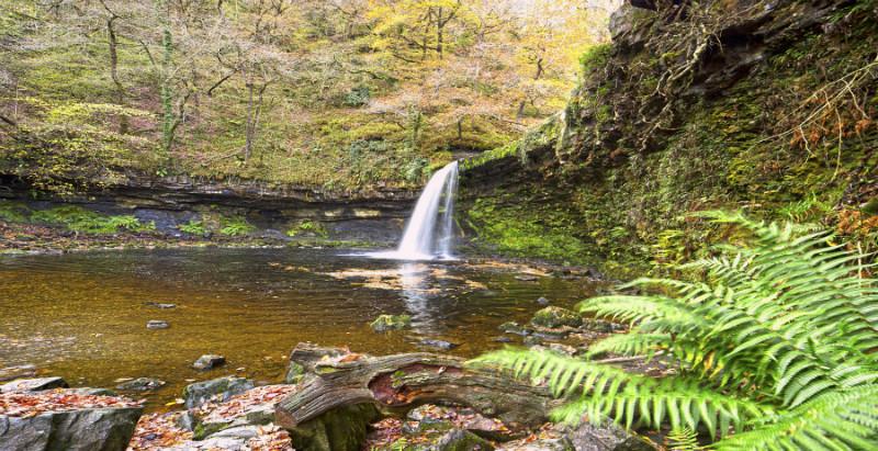 Tumbling Water. - Wales