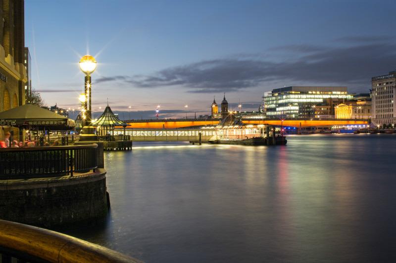 Quite Corner. - London