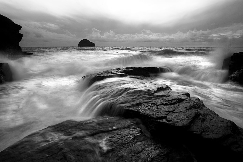 Stonewash - Black & White