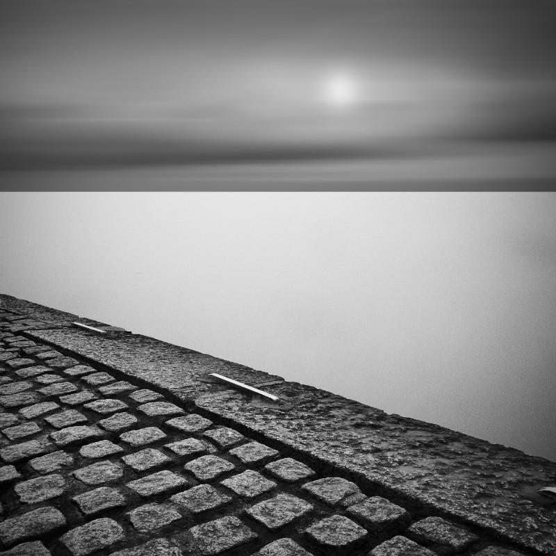 Zen - Square minimal black & white .