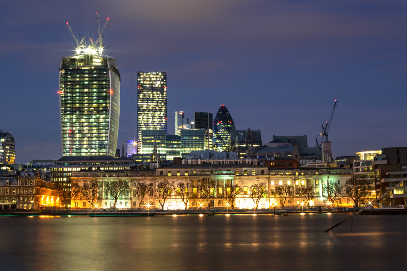 London Glow. - London