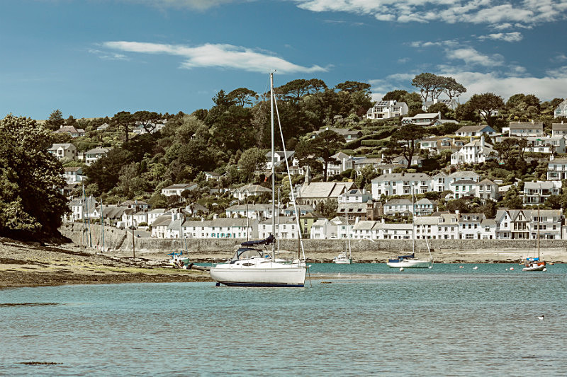Sleepy St Mawes . - The Roseland Cornwall
