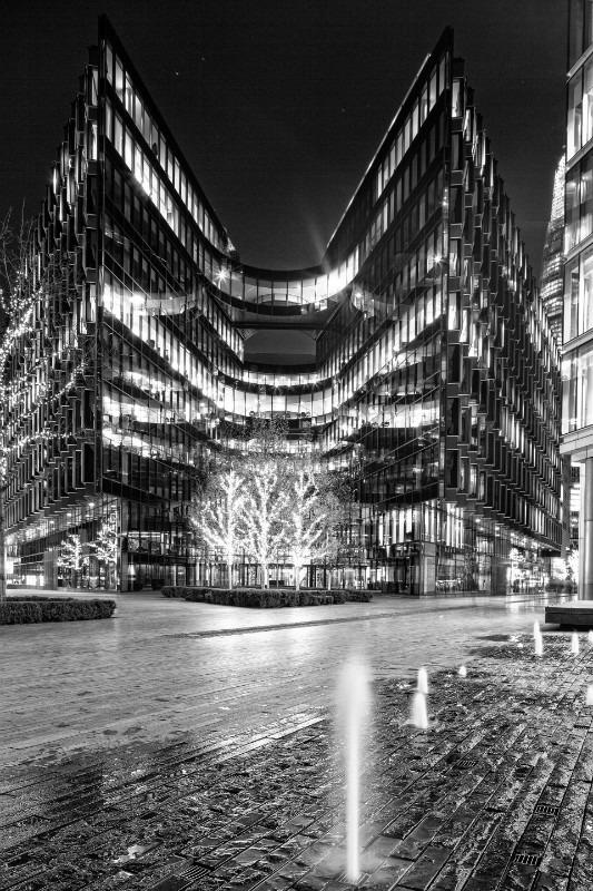 Night Light mono. - London