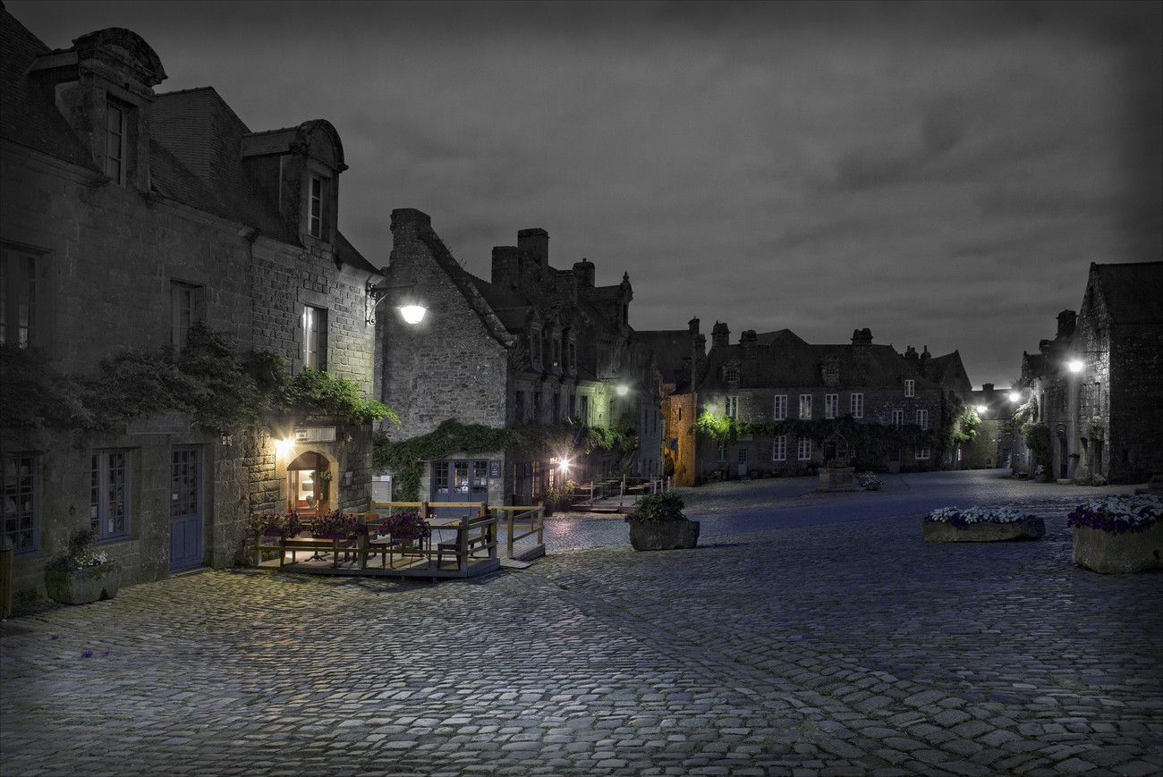 Locronan - Featured Images