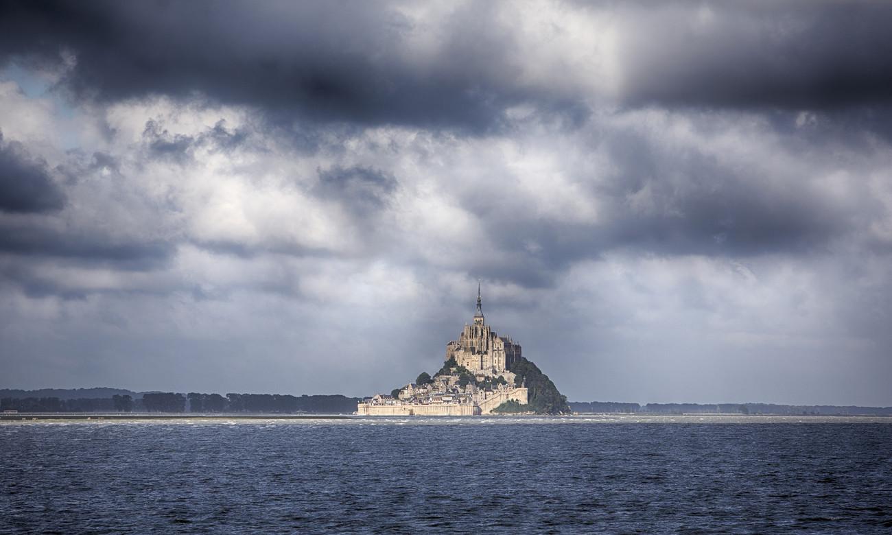 Le Mont-Saint-Michel - Featured Images