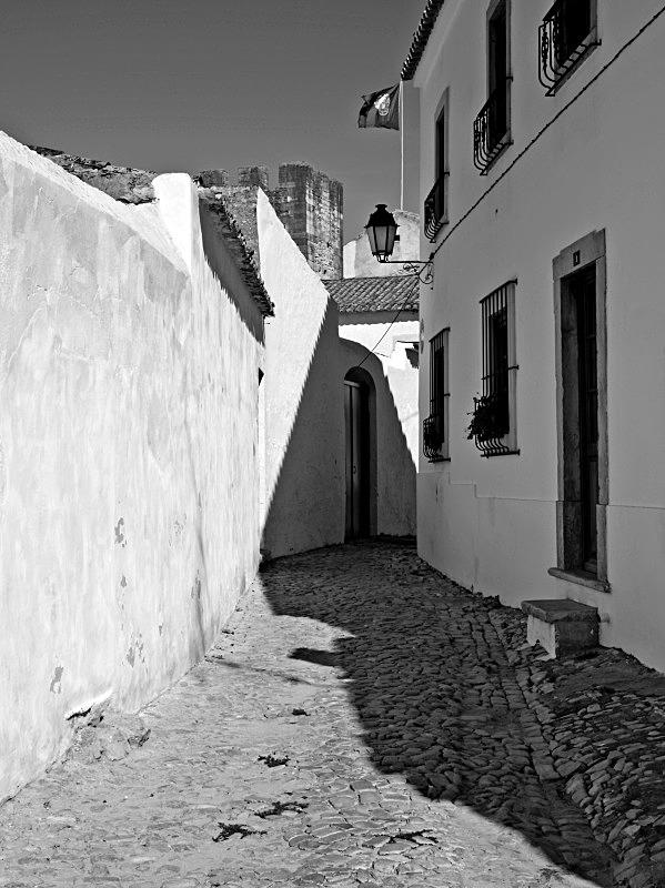 Loulé Passage Way - Black and White