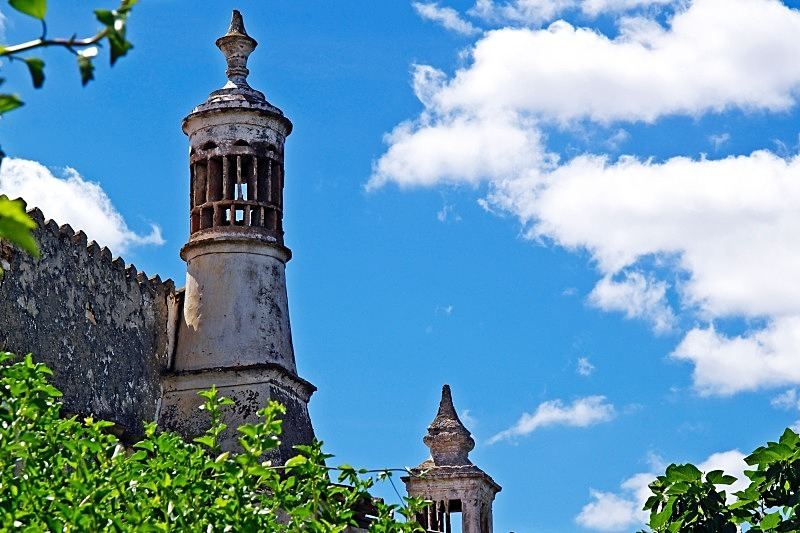 Algarve Chimneys - Urban and Ancient