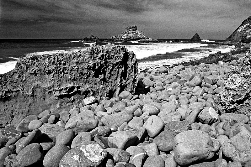 Boulder Beach - Black and White