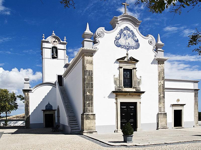 São Lourenço Church-Almancil - Urban and Ancient