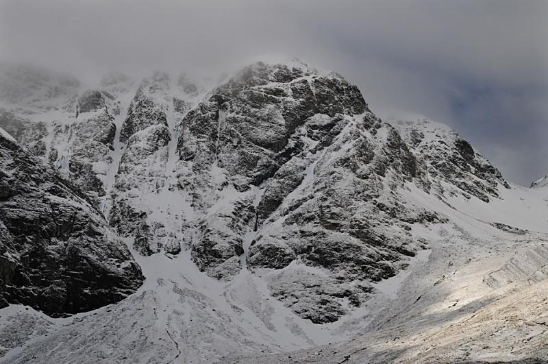 Coire Ardair Crags II - Creag Meagaidh