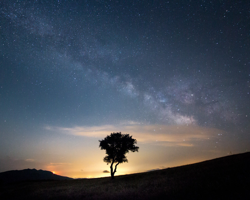When the Moon and Milky Way Meet