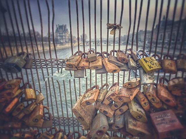 Crossing the river Seine, Paris - Paris ma belle