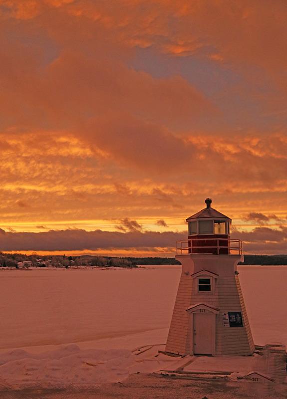 Renforth Lighthouse Sunset - Sunset/Moonrise